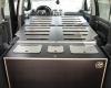 Aménagement pour installer un lit et dormir dans son véhicule : sa voiture , son fourgon, son camion par Nomad-Addict : Le Kit Duo ici dans un Volkswagen Touran
