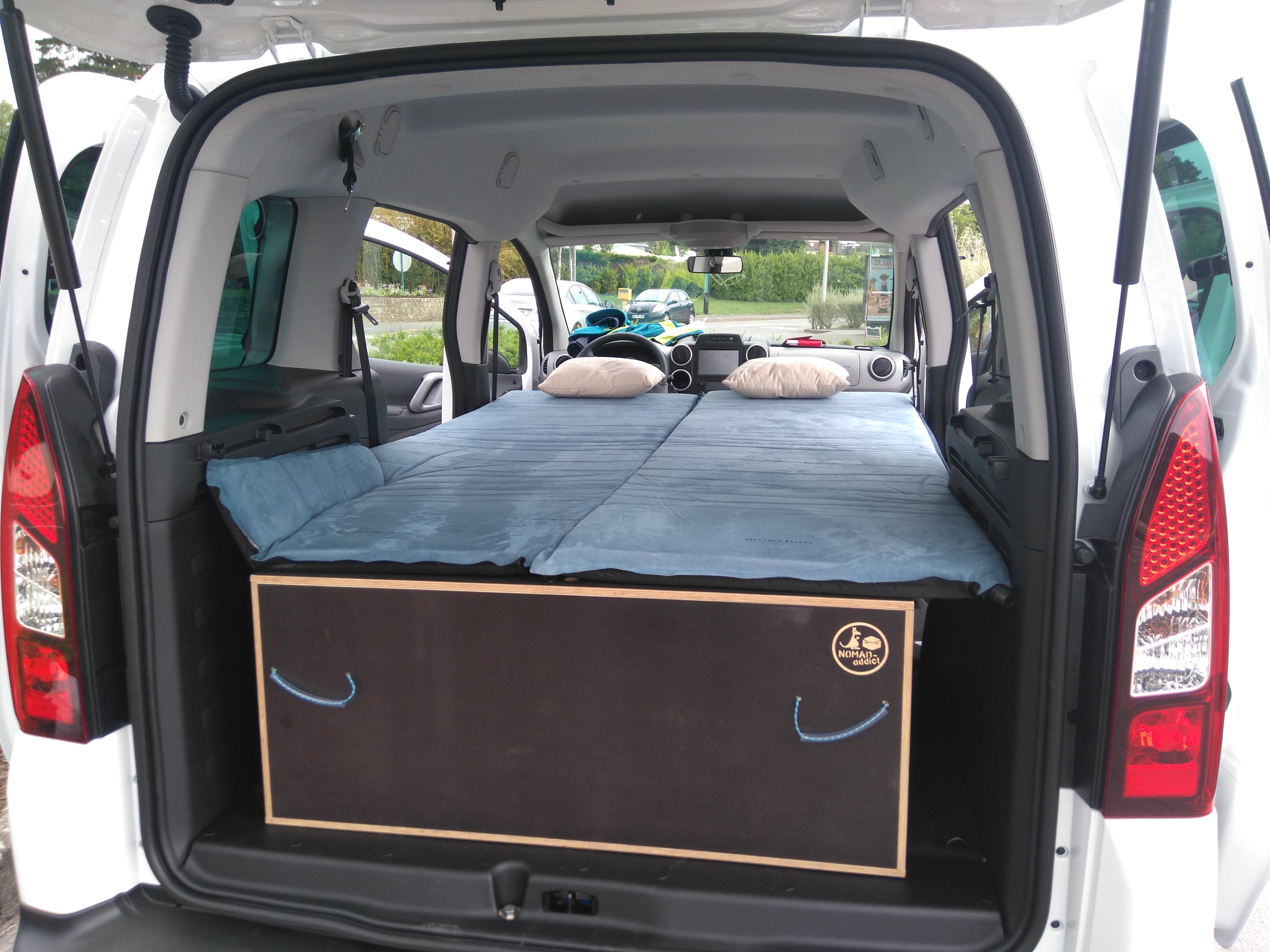 1 am nagement pour installer un lit et dormir dans son. Black Bedroom Furniture Sets. Home Design Ideas