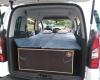 Aménagement pour installer un lit et dormir dans son véhicule : sa voiture , son fourgon, son camion par Nomad-Addict : Le Kit Duo ici dans un Citroën Berlingo
